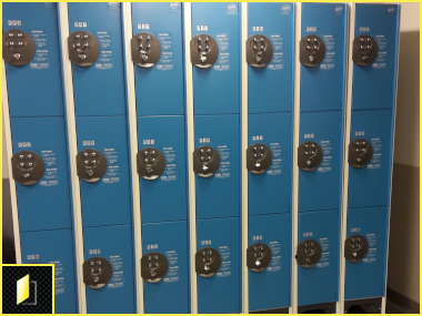 Vestiaires à codes pour les patients de l'Hôpital Necker Enfants Malades